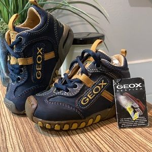 GEOX Toddlers shoes blue and yellow Size 19 (4)